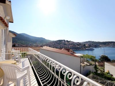 Photo for Studio flat with terrace and sea view Hvar (AS-591-b)