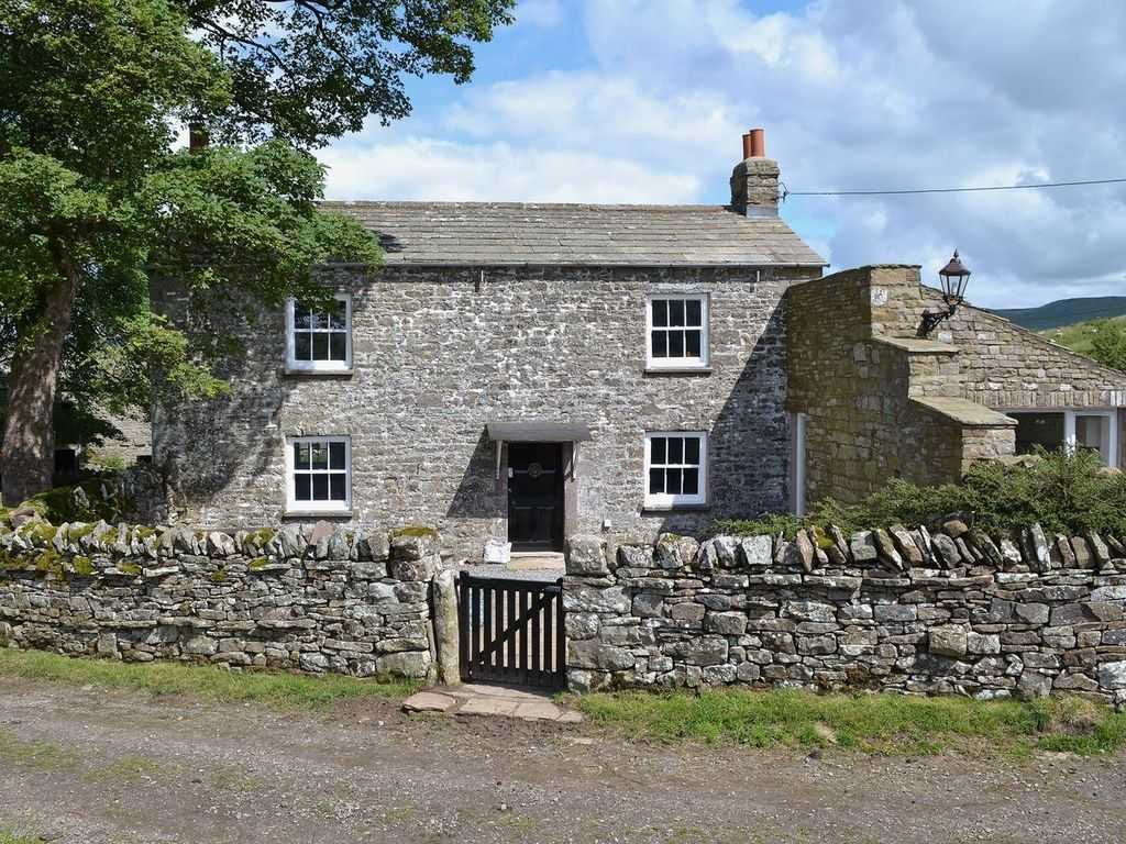 Low mouthlock cottage 4 bedroom property in kirkby for P a furniture kirkby