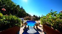 Beautiful Villa in a fantastic location. Great for friends and family.