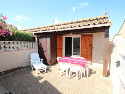 Photo for Corner house with 2 bedrooms, 5 persons, in a secured residence with pool, at only 400m from the...