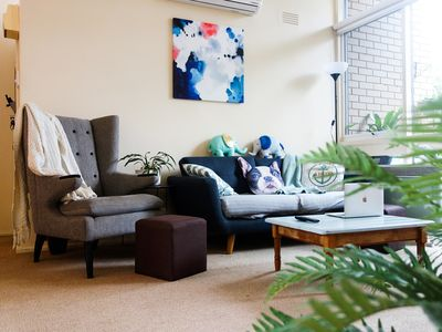 Photo for Sunny 2 bed apartment close to CBD and Yarra river