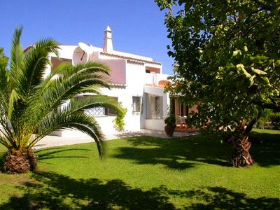 Photo for 3 bedroom Villa, sleeps 6 in Vale do Lobo with Pool and Air Con