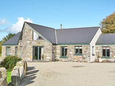 Photo for 3 bedroom property in Skibbereen.
