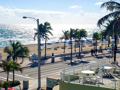 🏖️Central Fort Lauderdale Beach! 🌟Walk to Everything🌟Comfortable King Bed