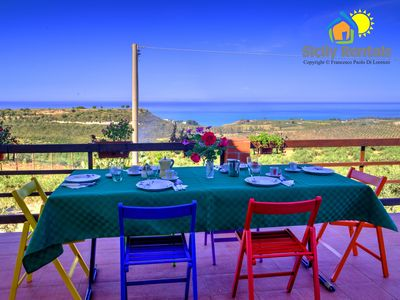 Photo for Apartment in villa with stunning sea views