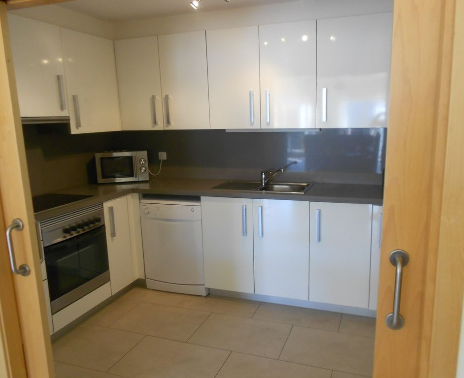 Fully Fitted, Modern Kitchen With All Appliances