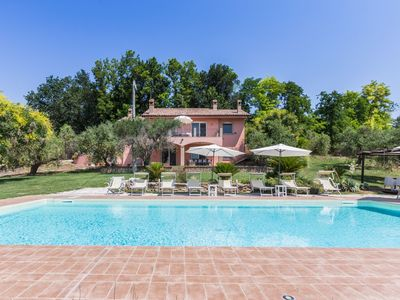 Photo for Villa Christina with pool in the hills of the Marche, 10 kilometers from the Adriatic coast