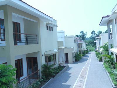 Photo for Beautiful contemporary villa in a rural setting with shared pool in Candolim
