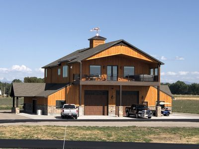 Photo for New Luxury Country Guest Suite, Sleeps 10, Hot Tub