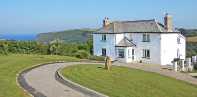 Photo for CRACKINGTON VEAN, pet friendly, with open fire in Bude, Ref 959624