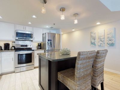 Photo for Luxury condo w/ shared pool/hot tub, gorgeous views - on the beach!