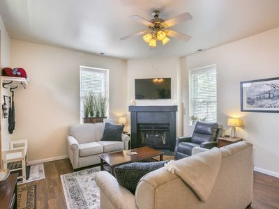Photo for Historic St. Louis Apartment at Lafayette Square! Central to all StL ! Brand new furnishings!