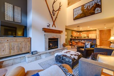 Contemporary decorations make for a delightful stay at Alpine Trace