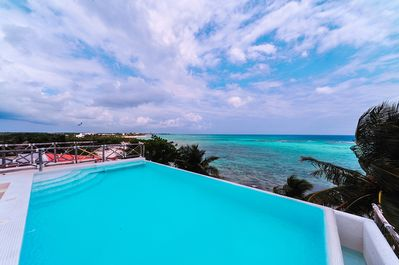Sunrise Is The Perfect Place To Enjoy A Tranquil Tropical Beach Getaway Akumal