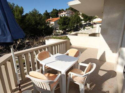 Photo for One bedroom apartment with terrace and sea view Brela (Makarska)