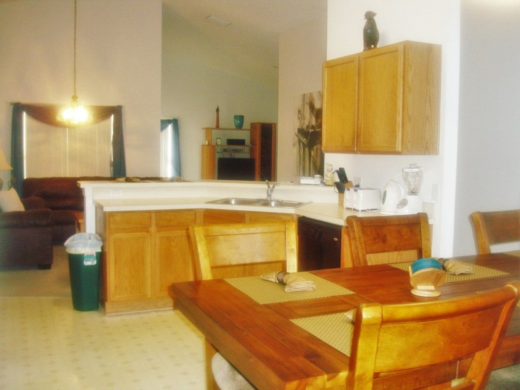 Beautiful Disney Home - 4BR , Private Pool with FREE SPA Heat, WiFi