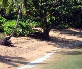 Lovely serene Anini-warm clear water No crowds