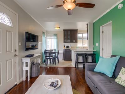 Photo for 1 Bedroom Condo steps from Ocean and Bay