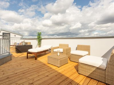 Photo for Sunny Penthouse with Terrace. Amazing View!