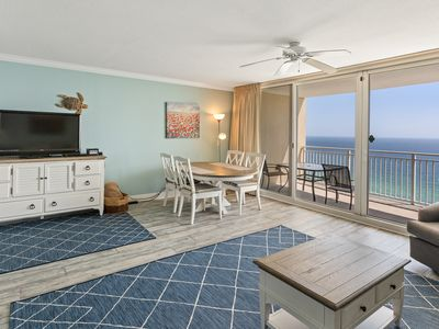 Photo for ☀Emerald Beach 2033☀2 HUGE Pools- WOW! Oct 17 to 20 $453 Total! BEACH Front!
