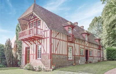Photo for 5 bedroom accommodation in Beaumontel