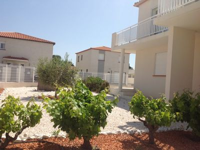 Photo for Entire Villa 140 m2 with two separate apartments in a quiet location near the beach