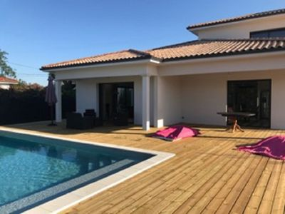 Photo for Bassin d'Arcachon La Hume New house with pool sleeps 10