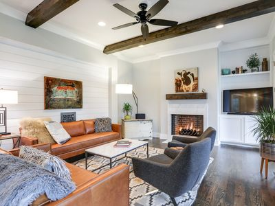 New All-Suite w/ 2 Porches, Fire Pit, Crow's Nest & Widow's Walk