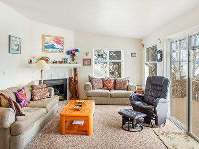 Photo for Mountain home w/ gas fireplace, grill, & balcony w/ lake views