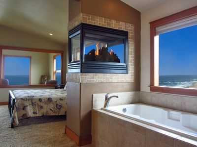 Photo for Heavens View~King Beds, Hot Tub, Game Room! ***MARCH -MAY WEEKDAYS FROM $249/Nt!