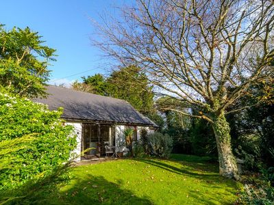 Photo for Peaceful rural retreat, dog friendly only 3 miles from Perranporth and the North Cornwall Coast