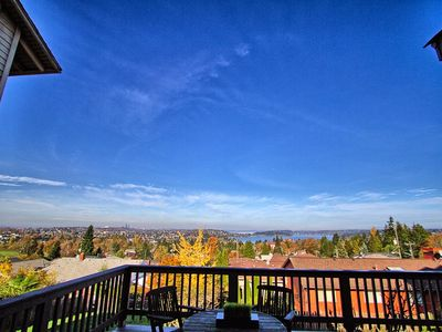 Photo for Craftsman With Breathtaking View Of Downtown Seattle