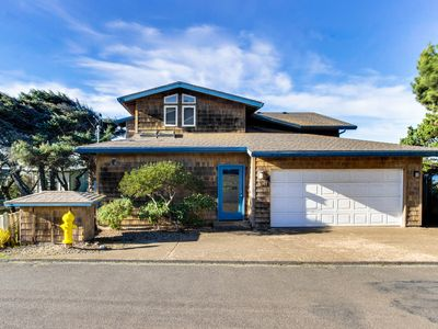 Photo for Oceanfront house with private hot tub and amazing ocean views!