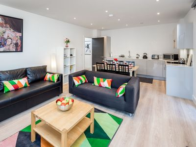 Photo for Luxury 2BR Apartment, close to Canary Wharf