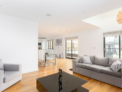 Photo for Luxury Two Bedroom Penthouse In Central London