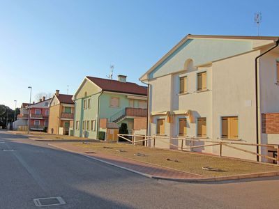 Photo for Sun drenched residence with pool, in Rosolina Mare, near Venice.