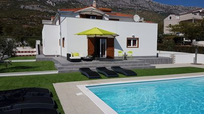 Photo for Luxury apartment with 3 bedrooms and pool