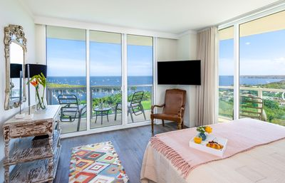 Photo for OVERLOOKING THE OCEAN! ULTRA UPSCALE, FREE PARK/POOL/GYM/75Mb WI-FI