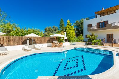 Anemomylos Villa I features a private pool with a children's compartment!