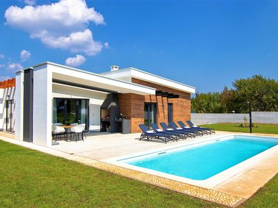 Photo for Beautiful brand new modern villa with private pool