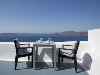 Photo for Aspa Suites, Traditional in cave apt. with jetted tub and caldera view at Oia.