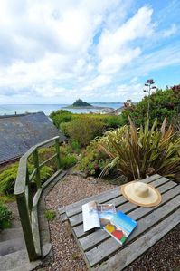 Photo for Castle View - Character and Spacious Cottage. Private Garden. Panoramic Sea View
