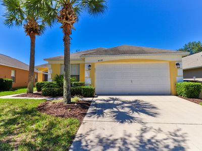 Photo for Beautiful Pool home, Gated Community 4 bedrooms
