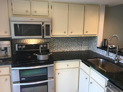 Updated kitchen with Double oven