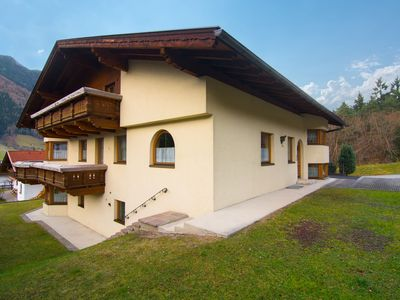 Photo for Very well maintained property with garden, 2 km. from Neustift.