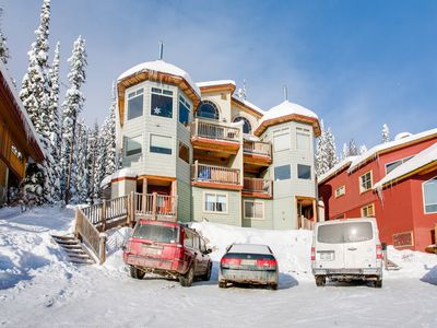 Photo for SLEEPS 19 True Ski In/Out - 3 Bedroom+Den+Loft+Sauna+Pool Table and Hot Tub
