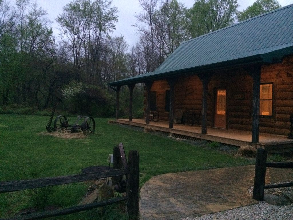 Hoot owl cabin your home away from home saint aygulf for Home away from home cabins