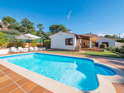 Photo for Club Villamar - Charming villa, very spacious and with a precious exterior area with garden, lawn...