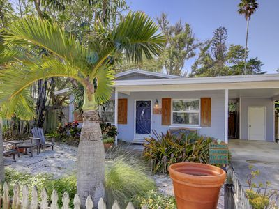 Photo for Sea Garden Cottage with Direct Beach Access,AC & WiFi - North End Anna Maria Fl