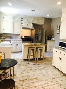 Fully functional stocked kitchen, gas stove, new appliances